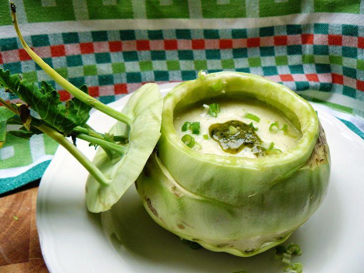 Veggie Variation - Vegetarische recepten en inspiratie vol variatie!: Koolrabisoep met pesto en lenteui