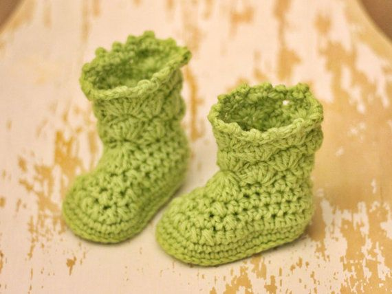 """Super cute unique baby booties for the tiny people in your life. With the right yarn, the finished result balance nicely between sturdy and soft, making it a nice """"accessorie"""" for baby feet.  Sizes 0-3 months, 3-6 months, 6-9 months, 9-12 months, 12-15 months  Yarn suggestions Any Aran weight yarn that fits with gauge will do. If you don't know which to choose, I suggest using good quality Aran wool mix superwash yarn. Wool has a warming and enduring quality and still allows the skin to…"""