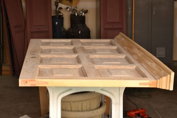 Another pinner said: door headboard...Perfect to make out of my mom's old front door! Keepsake!