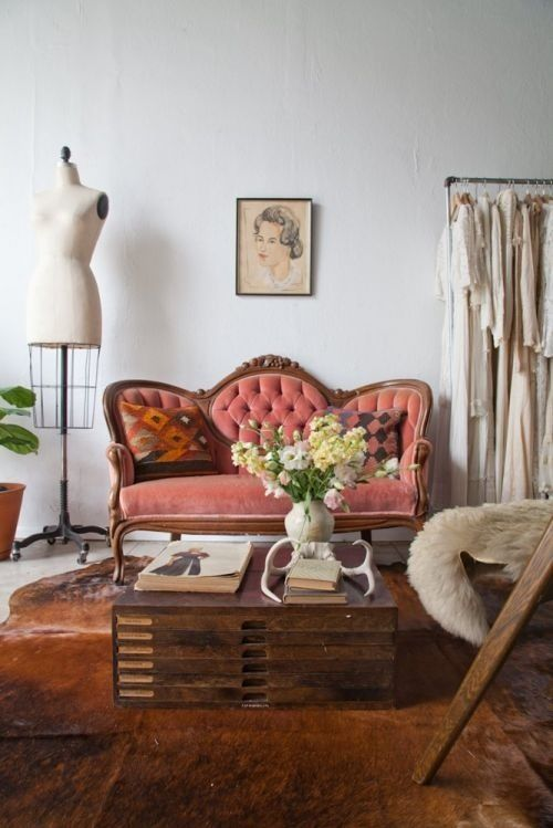 Love the vintage couch!