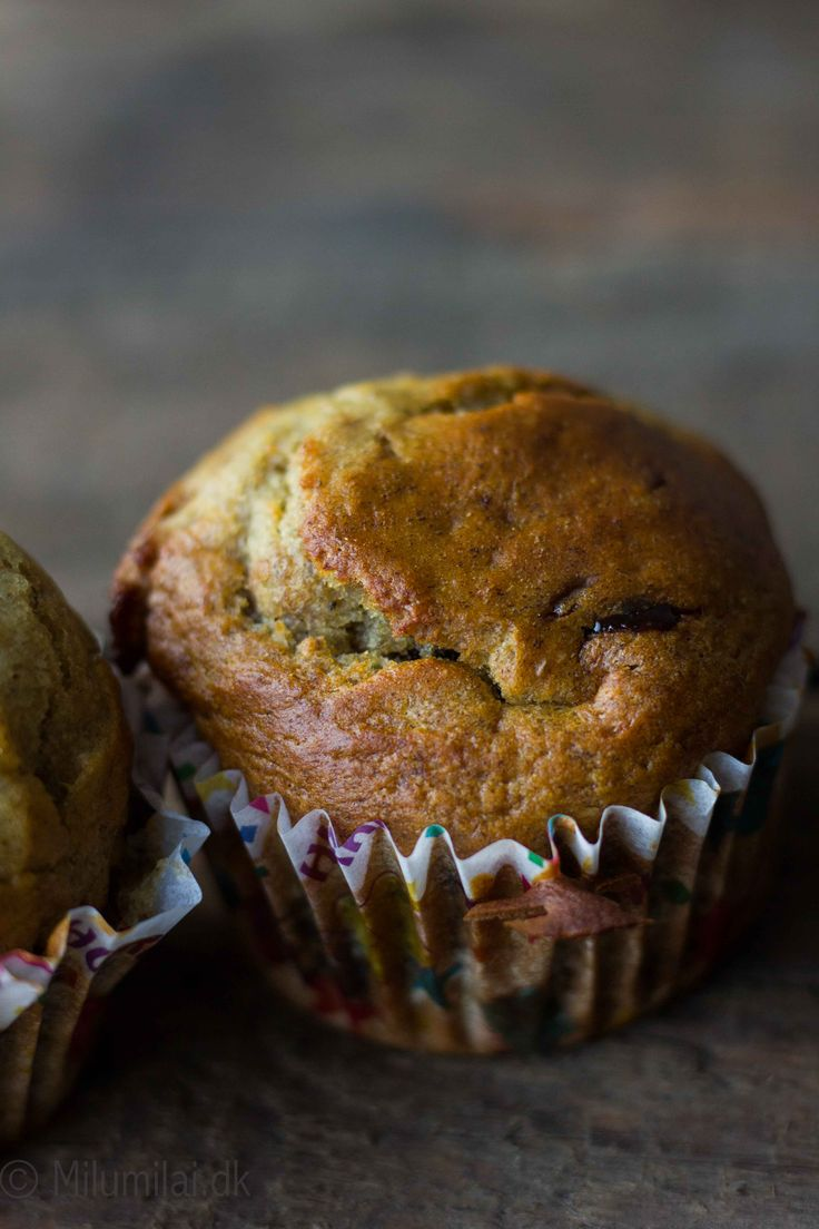 HEALTHY BANANA MUFFINS WITH CHOCOLATE CHIPS