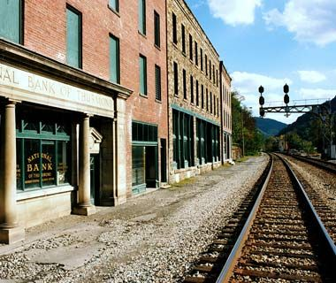 Rafting the abandoned and the late on pinterest for Abandoned neighborhoods in america