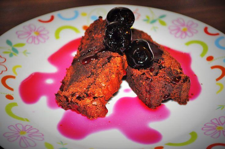 Torta cioccolatosa e golosa con farina di castagne
