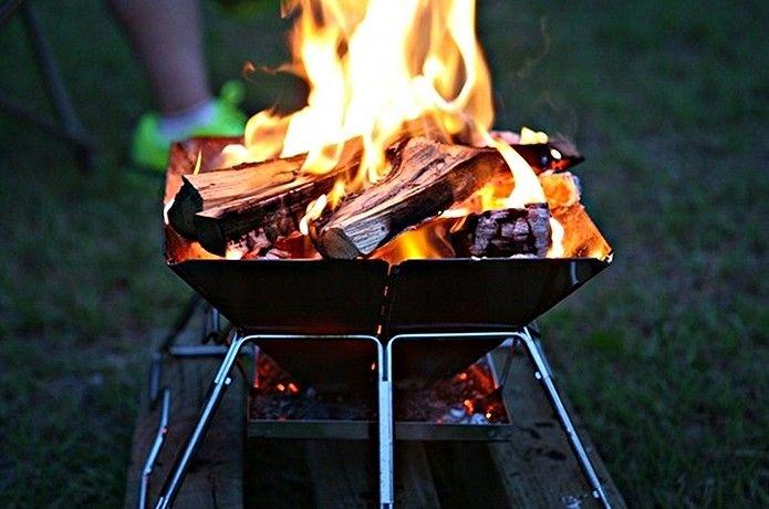 焚き火台は、暖を取ったり料理をしたり、キャンプには欠かせません。今回は、たくさんある焚き火台の中からコールマン・スノーピーク・ユニフレーム・キャプテンスタッグの人気の4つを徹底解剖!