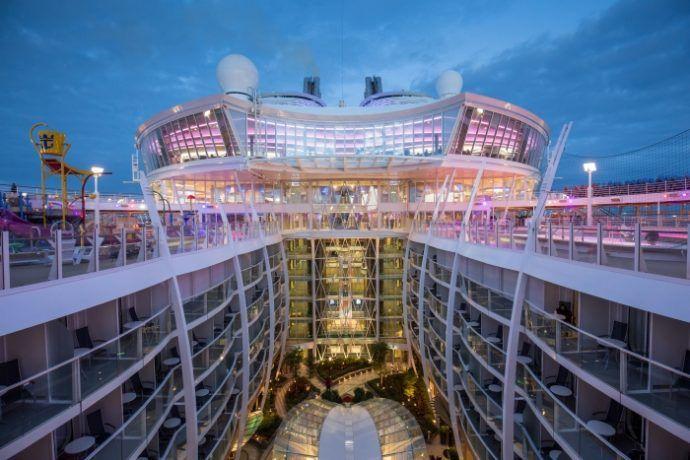Ticket tester verdens største cruiseskip! - http://www.ticket.no/blogg/ticket-tester-verdens-storste-cruiseskip/ #ticketferiereiser #reiseblogg #royalcaribbean #cruise #harmonyoftheseas #reisetips
