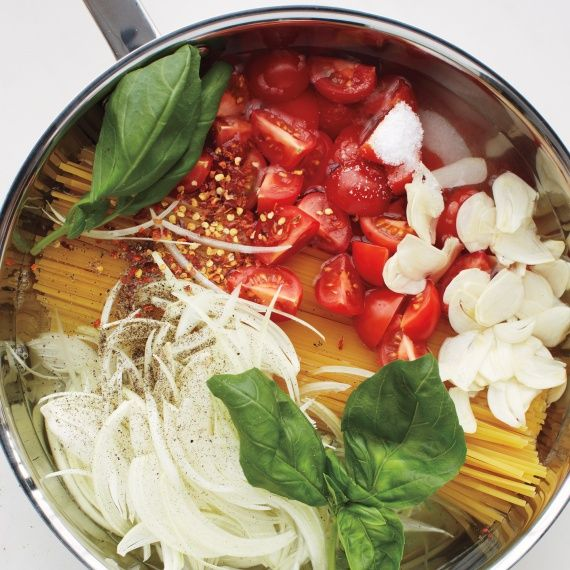 Still don't know what you're making for dinner tonight?  Martha Stewart shares her original 1-pot recipe.  Minimal ingredients, easy cleanup time!