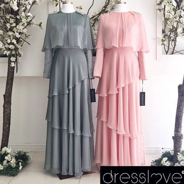 Uçuş uçuş yepyeni şifon modelimiz Nouna Dress ✨✨ Omuzlarındaki şık swarovski taş detayı ve hafifliğiyle çok beğenilecek #dresslove #dresslove_official #eveningdress #prom #promdress #romanticdress #pure #elegant #glamour #chic #modern #fashion #hijab #hijabdress