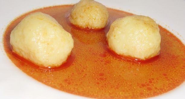 """Gölődin avagy gombóc leves recept: Isteni finom, gyorsan készen van és laktató. Régen Nagymamám mindig ezt készített levesként, mikor szilvás gombóc volt a menü. Akkor bevallom töredelmesen """"utáltam"""", de most már imádom. :) http://aprosef.hu/golodin_avagy_gomboc_leves_recept"""
