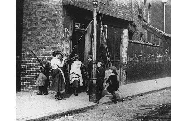 Victorian photographer Paul Martin's snapshots of Cockney London.