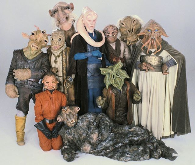 When you take a Photo with your freinds  #starwars #star #wars #stormtrooper #jedi #sith  #blackseries #starwarsfan #yoda #art #r2d2 #hansolo #bobafett #lukeskywalker #geek #forcefriday #cosplay #darkside #chewbacca #starwarday #lightsaber #toys #theforce #instagood #kyloren #thelastjedi #c3po #clonetrooper #Clone #rogueone