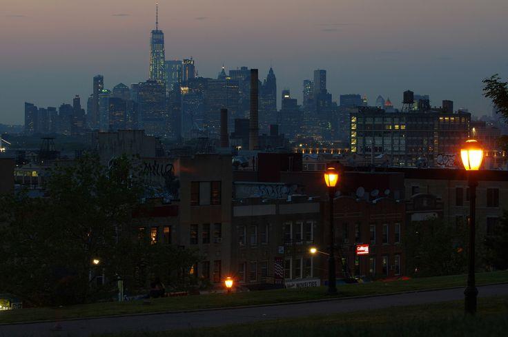 Sunset Manhattan Skyline from Sunset Park - [2048 x 1362]