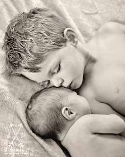 newborn photo with big brother