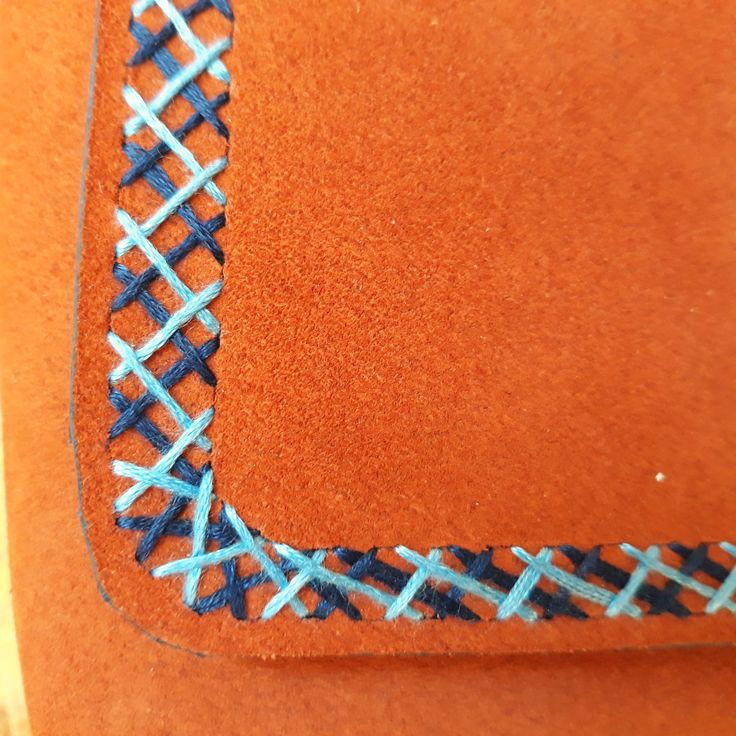 Mini leather purse / Hand embroidered leather purse