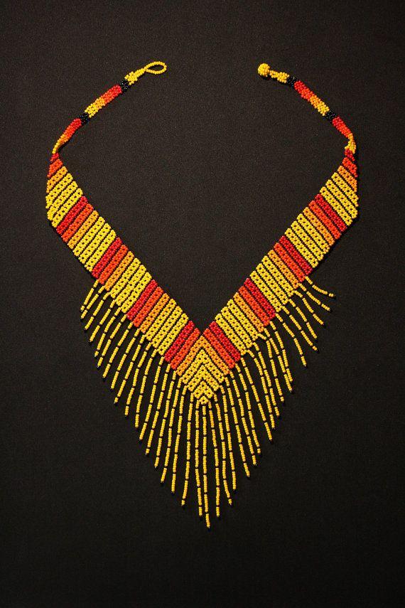 V Huichol collar collar Tribal de V collar por BiuluArtisanBoutique