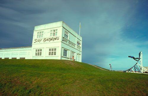 'St Clair Dunedin. Skateboarding at the Surf Bathing Pavilion' - Robin Morrison