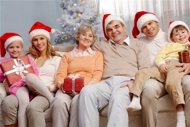 Конкурсы на Новый год для семьи за столом