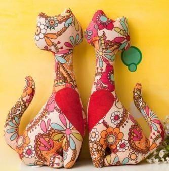 Ideas para el hogar: Gatos cojines rellenos en pareja con moldes y costura simple