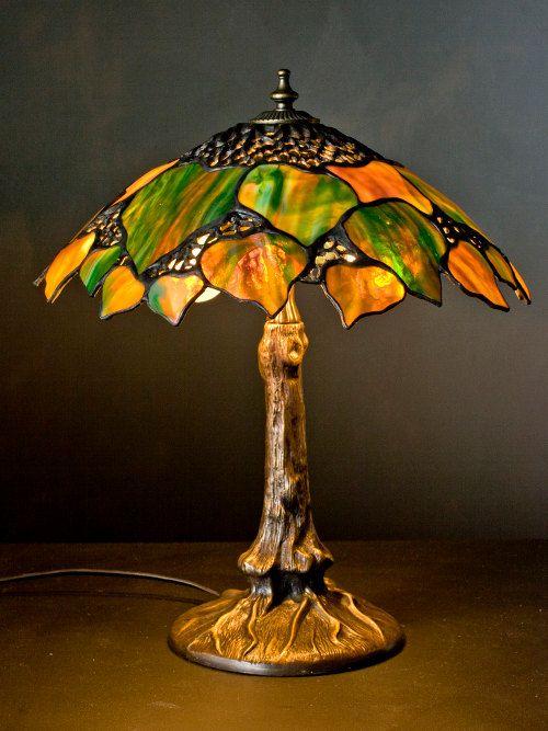 Lámpara de hoja de Maple grande Tiffany vidrieras. Pantalla de