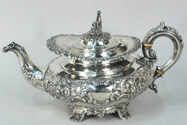 Irish sterling silver teapot, made by James Fray of Dublin in 1842