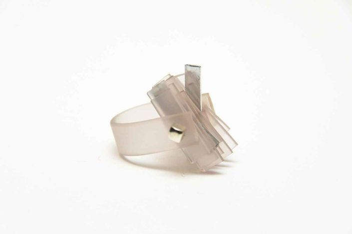 LIFE IN PLASTIC trasparente argento