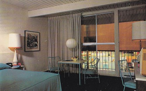"https://flic.kr/p/7ZfwJ1 | Imperial 400 Motel Room View 1962 | Back of postcard reads:  Imperial '400' Motel San Diego - Civic Center 1709 Pacific Highway     BEImont 2-6391  ""America's Fastest Growing Motel Chain""  Recommended by Diner's Club, Carte Blanche and American Express  Note:  This postcard is postmarked July 1962"