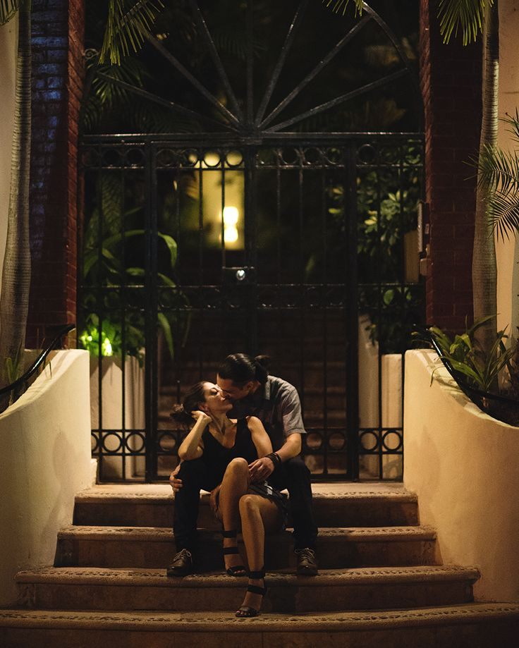 engagement photos in Playa Del Carmen / Kat Rizza Photography