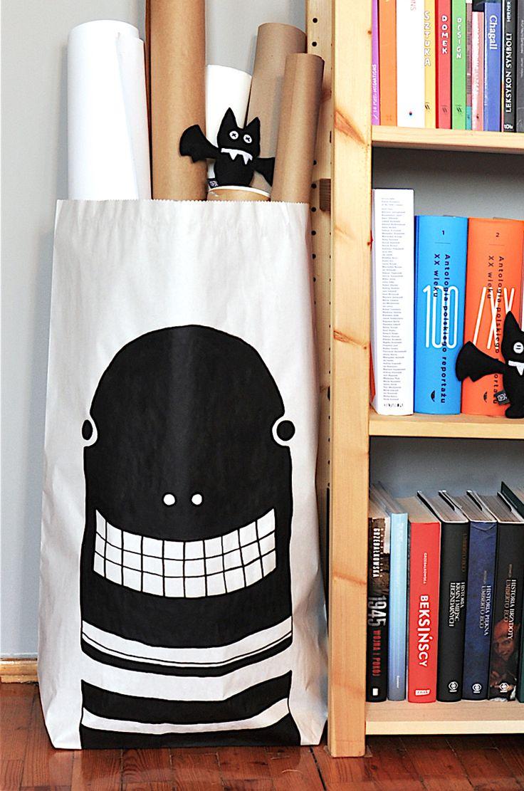 Dżdżownice/robaki #paperbags #storage #kidsdesign #szaryfika #blackandwhite #handpainted #earthworm