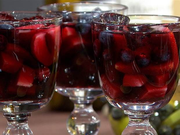 Super Bowl sips! Make red, white sangria to celebrate Patriots, Seahawks - TODAY.com