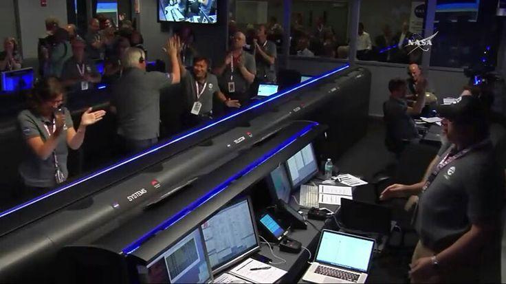 La nave Juno de la NASA entra con éxito en órbita alrededor de Júpiter. Imagen: NASA TV.
