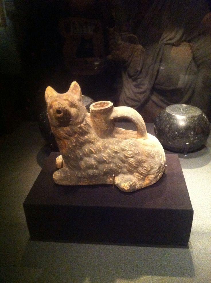 Dog pitcher found at Pompeii