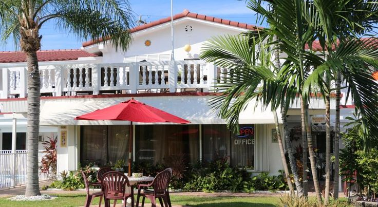 Breakaway Inn Guest House Fort Lauderdale This inn is minutes from the village of Lauderdale by the Sea which offers many restaurants and shops. This beach hotel features an outdoor swimming pool, rooftop patio, and free Wi-Fi.