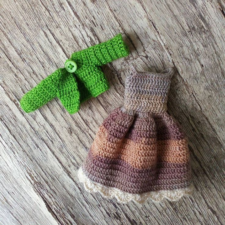 0 отметок «Нравится», 1 комментариев — Natalie Pitalenko (@little_cute_things_by_nat) в Instagram: «Outfit for custom dolly! #crochetdoll #nwd #best_hm_world #handmadetoy #handmadedoll…»