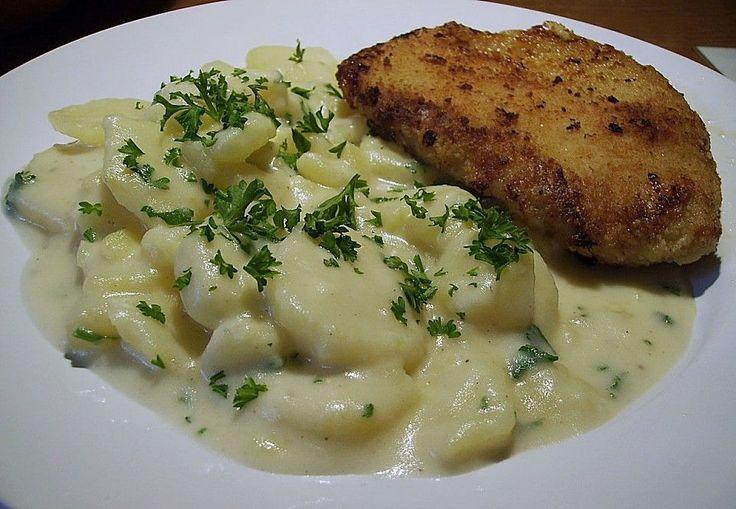 Großmutter's Rahmkartoffeln, ein raffiniertes Rezept aus der Kategorie Dünsten. Bewertungen: 67. Durchschnitt: Ø 4,1.