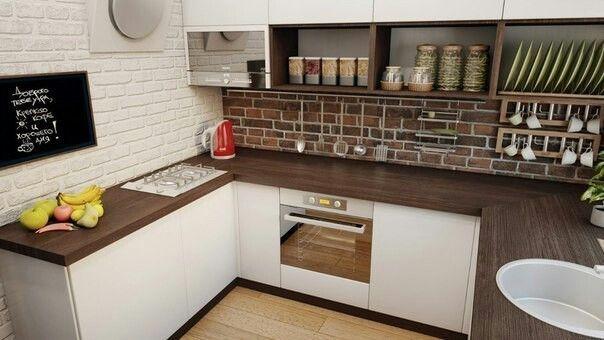 Кухня, мойка у окна, вертикальное хранение посуды, чашки на крючках