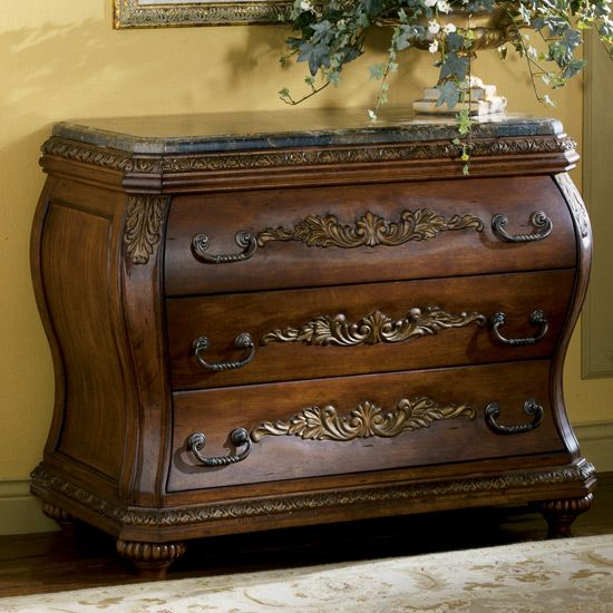 Chateau Frontenac Bombe Chest By Ashley Furniture T633 40