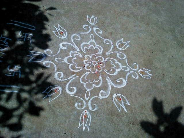 An eight pointed floral design.