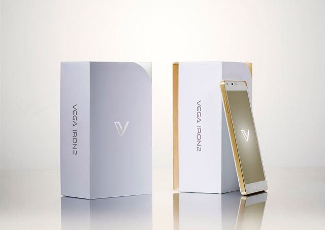 Pantech VEGA IRON2 Smartphone on Packaging of the World - Creative Package Design Gallery