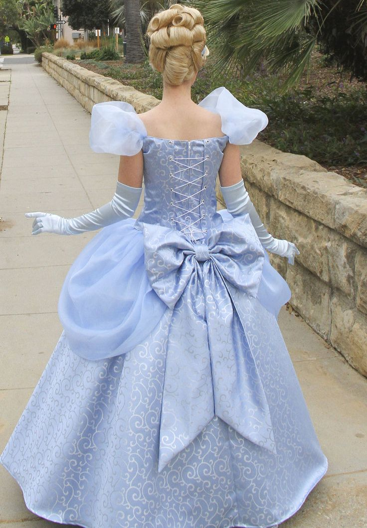 Cinderella back of the dress by LadyGryffindor