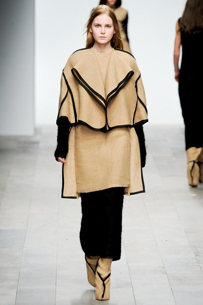 See the complete Central Saint Martins Fall 2011 Ready-to-Wear collection.