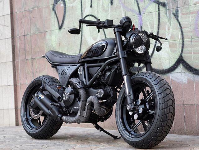Black is Black New Scrambler Ducati