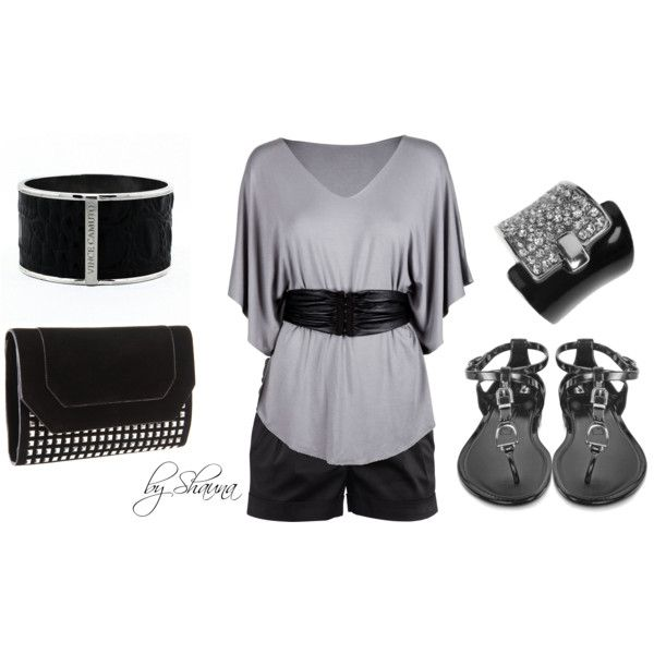 gray jersey top with black leather belt