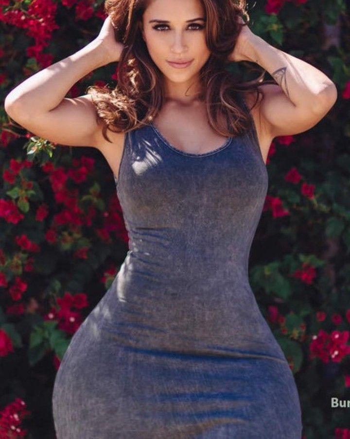 Instagram model blogger big tits big ass gym los angeles