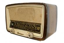 Radio antigua Elektra 56.