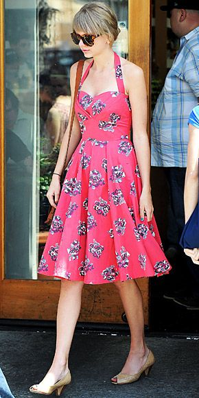 Taylor Swift+Floral= AMAZING<3