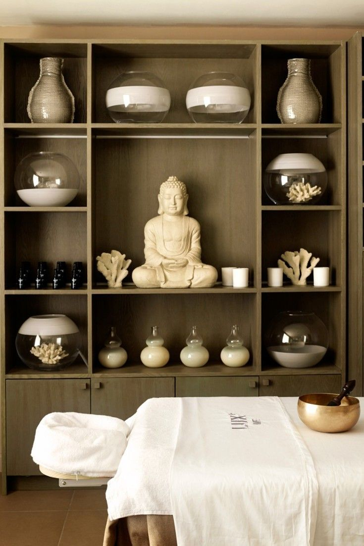 Belle Mare (Mauritius Indulge with a treatment at the sleek spa. LUX* Belle Mare (Mauritius) - JetsetterIndulge with a treatment at the sleek spa. Massage Room Decor, Massage Therapy Rooms, Spa Room Decor, Day Spa Decor, Home Spa Room, Spa Bedroom, Spa Rooms, Bedroom Ideas, Spa Design