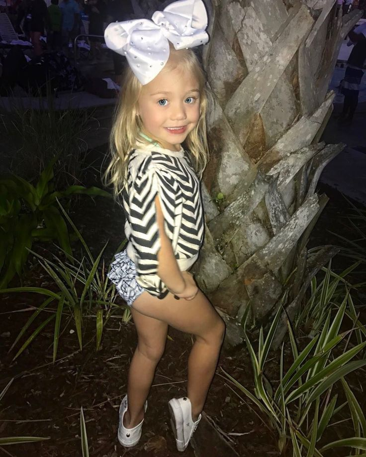 934 Best Images About Sav Soutas Everleigh On Pinterest Dress Skirt Models And Rompers
