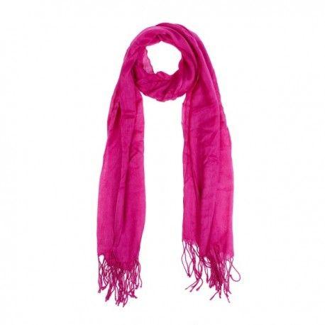 Dale un toque de color al invierno, con estas pashminas. Se sirven, de color surtidos Colores disponibles: rosa, violeta, azul, gris y beige. Medidas: 160 cm x 60 cm Material: Algodón www.regalandoonline.com