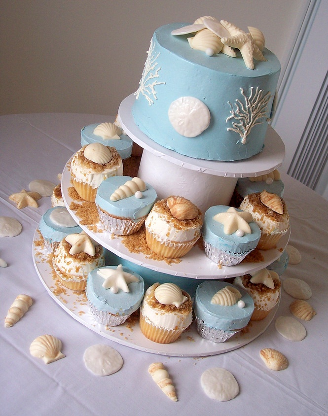 This is what I want for 50th Wedding celebration at the beach -cake and Cupcakes