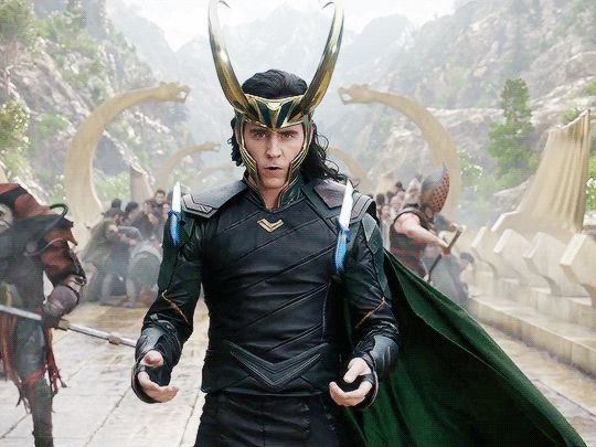 I was SO excited when I saw Loki in the trailer doing this awesome knife flip! So awesome!!!