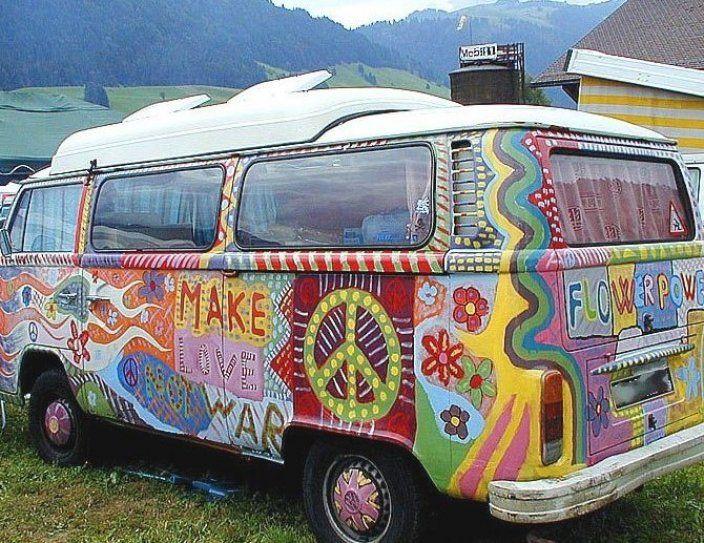 Auto Ici Le Combi Color La Mode Hippie Hippi Combi Van Volkswagen In 2020 Van Dream Cars Car